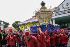 De ceremonie van Grebegmaulud door Keraton Yogyakarta wordt gehouden die stock foto