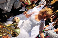 De ceremonie van het groepshuwelijk Stock Foto's