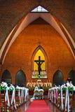 De ceremonie van het huwelijk in een kerk Royalty-vrije Stock Foto's