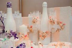 De ceremonie van het huwelijk in openlucht De decoratie van de huwelijksceremonie, mooi huwelijksdecor stock afbeeldingen