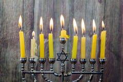 De Chanoeka schouwt op een rij allen Helder, glanzend de Joodse vakantie Royalty-vrije Stock Foto