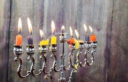 De Chanoeka schouwt op een rij allen Helder, glanzend de Joodse vakantie Royalty-vrije Stock Fotografie