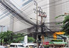 De chaos van kabels en draden op asokeweg Royalty-vrije Stock Foto's