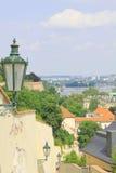 De charmiga gatorna av Prague Royaltyfri Foto