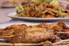 De Chef-kok Kastiel, kip van de oregokip geroosterde kippenvleespennen Royalty-vrije Stock Fotografie