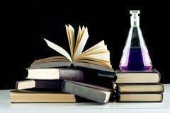 De chemie van het onderwijs. Stock Afbeeldingen