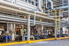 De chemische fabriek van de productiepijp stock foto's