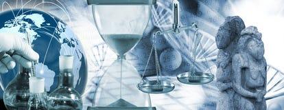 de chemische flessen, dienen handschoen, zandloper, oude standbeelden op abstract biotechnologisch close-up in als achtergrond Stock Foto