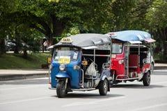 De chiangmaidienst van de Tuk tuk taxi in stad en rond Stock Afbeeldingen