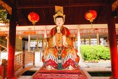 De Chinese die godsbeeldhouwwerken in Chinese tempel worden getoond Stock Afbeeldingen