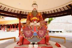 De Chinese die godsbeeldhouwwerken in Chinese tempel worden getoond Royalty-vrije Stock Foto's