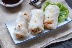 De Chinese Gestoomde Broodjes van de Rijstnoedel Royalty-vrije Stock Fotografie