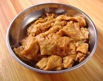 De Chinese keuken braadde olieachtig glutenvlees stock afbeeldingen
