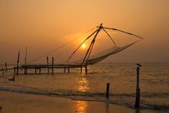 De Chinese Netten van de Visserij. Fort Cochin, Kerala, India Stock Foto's