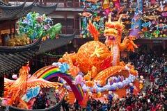 De Chinese Nieuwjaarvieringen, Yuyuan tuiniert het winkelen gebied, Shanghai royalty-vrije stock fotografie