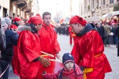 De Chinese parade van het Nieuwjaar in Milaan Royalty-vrije Stock Afbeeldingen