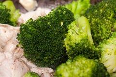 De Chinese voorbereidingen van de Kip van Broccoli Stock Fotografie
