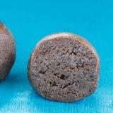 De chocolade Indische zoete bal Stock Afbeeldingen