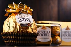 De chocoladesnoepjes van Ferrerorocher Stock Afbeelding
