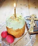 De Christian Easter vida ortodoxo clássica ainda com ovos e bolo Fotografia de Stock