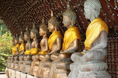De cijfers van Boedha in de Seema Malaka-tempel van Colombo in Sri Lanka Stock Foto