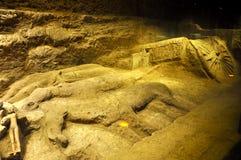 De cijfers van het graf in het mausoleum Royalty-vrije Stock Foto