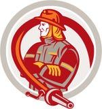 De Cirkel van Standing Folding Arms van de brandweermanbrandbestrijder Royalty-vrije Stock Fotografie