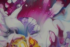 De close-up op fantastical abstracte acryl giet het schilderen royalty-vrije stock foto's