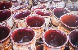 De close-up van aardewerkmokken Royalty-vrije Stock Foto