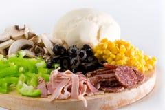 De Close-up van de Ingrediënten van de pizza Royalty-vrije Stock Afbeeldingen