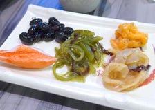 De close-up van het sushivoorgerecht bij restaurant Stock Foto