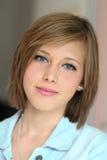 De close-up van het tienerportret Stock Foto's