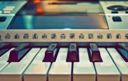 De close-up van het Toetsenbord van de Piano van de synthesizer Royalty-vrije Stock Afbeeldingen
