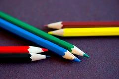 De close-up van kleurpotloden Stock Afbeelding