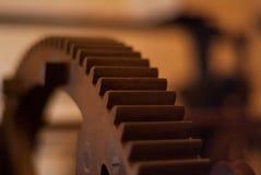 De close-upmening van motor past wielen aan Royalty-vrije Stock Foto's