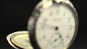 De de close-upvideo van het horlogemechanisme roteert stock video