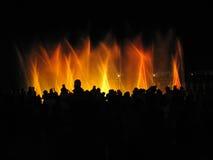De club van de nacht; fontein in nacht Stock Foto's