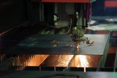 De CNC laser sneed machine stock afbeeldingen
