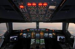 De Cockpit van de luchtbus stock afbeeldingen