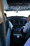 De cockpit van het vliegtuig Stock Foto