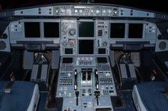 De cockpit van de vliegtuigenloodsen is in een Koude en Dark van de staat Stock Fotografie