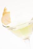 De cocktail dichte omhooggaand van Apple Martini royalty-vrije stock afbeelding