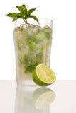 De cocktail van Caipirinha met kalk en pepermunt Royalty-vrije Stock Foto's