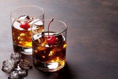 De cocktail van Manhattan stock foto's