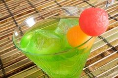 De Cocktail van Midori op Ijs stock foto's