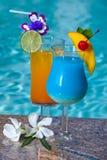De Cocktails van Poolside Royalty-vrije Stock Afbeeldingen