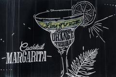 De cocktailtekening van Margarita met krijt op bord royalty-vrije stock foto