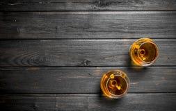 De cognac in de glazen stock foto