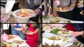 De collagemensen leggen voedsel op catering Leg Salade op De Lijst van de voedseldistributie stock footage