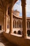De Colonnades van het Kasteel van Bellver Stock Foto